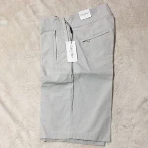 Calvin Klein golf Bermuda shorts size 4 new
